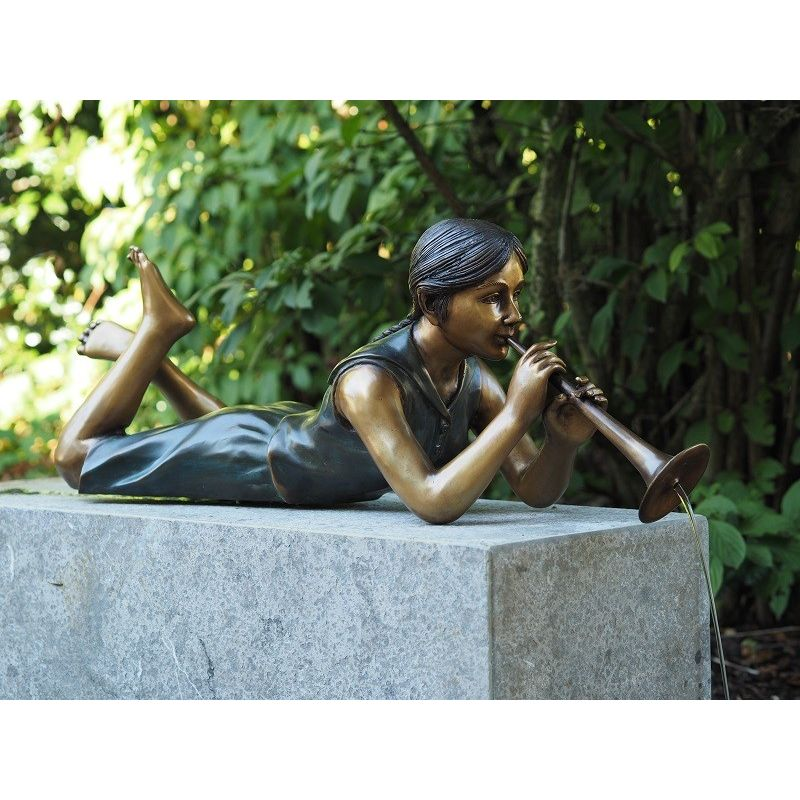 Statue bronze fille flûte