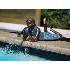 Statue Bronze fille allongée flûte