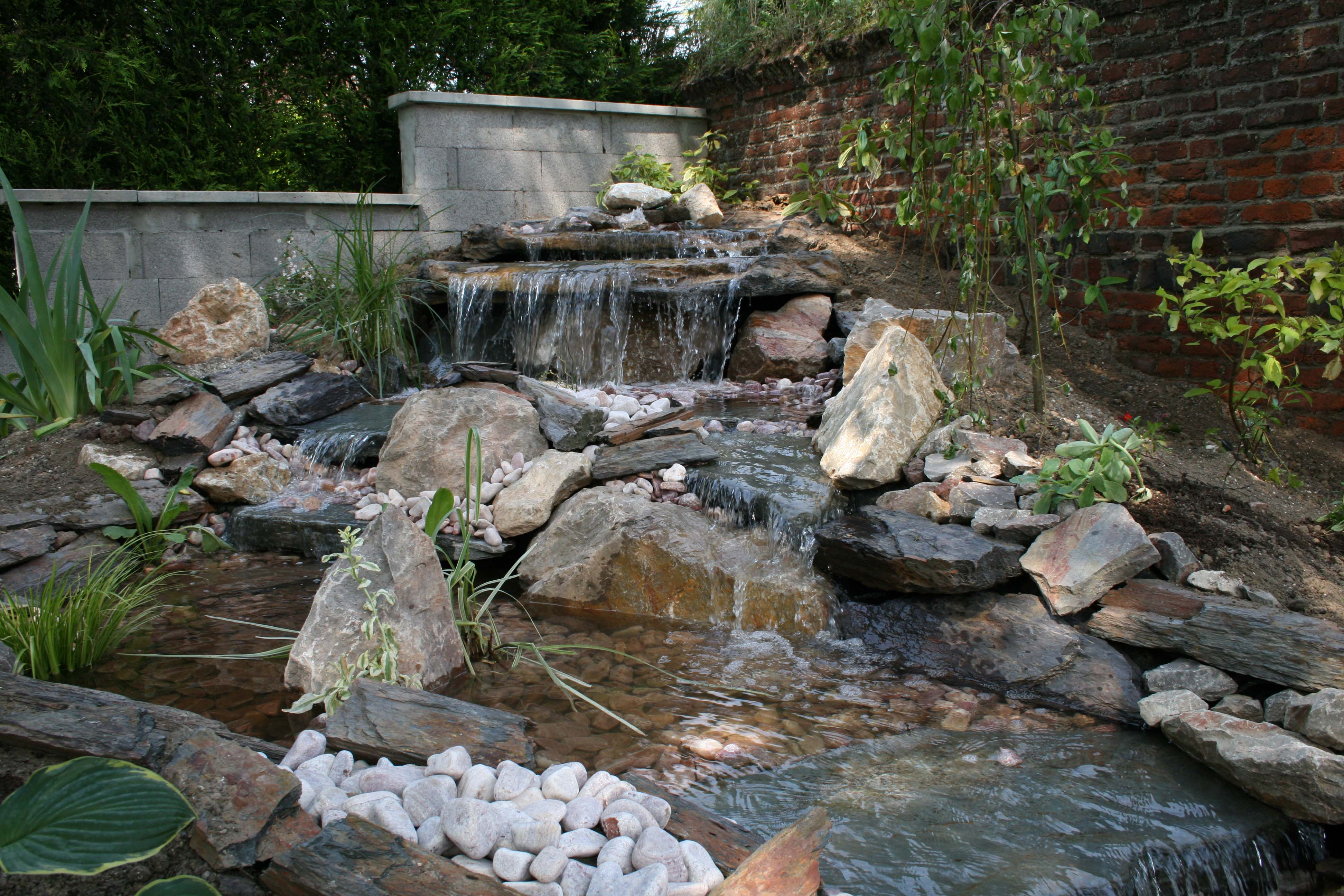 Construire Son Bassin De Jardin comment construire sa cascade ? - expert bassin